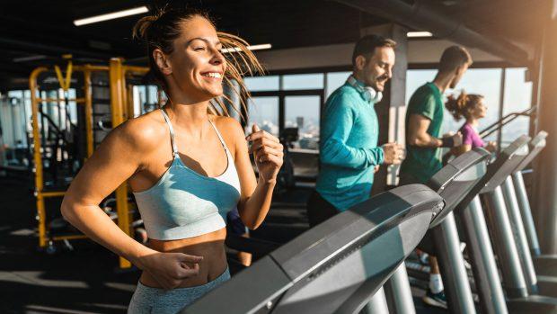 Depressione, fare sport allontana il rischio: bastano 35 minuti al giorno