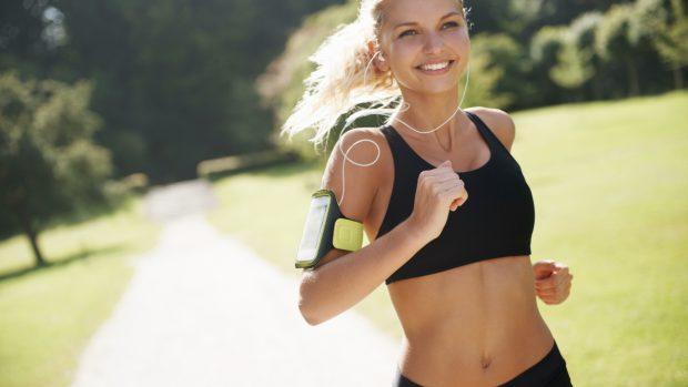 """Running, gli effetti sulla psiche. Dalle endorfine agli endocannabinoidi, ecco perché """"correre fa bene anche all'anima"""""""