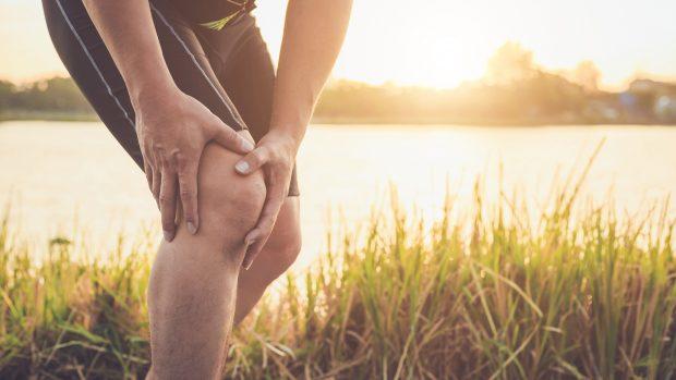 Corsa, dolore al ginocchio? Forse è la sindrome della bandelletta ileotibiale