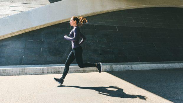 L'importanza della postura nella corsa: dalle braccia ai piedi, ecco com'è quella corretta