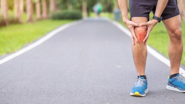 Borsite al ginocchio sintomi e come curarla o prevenirla