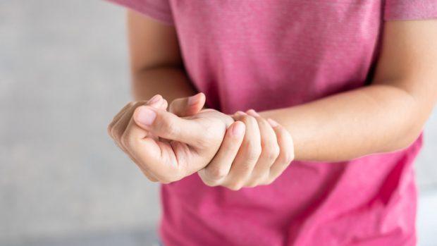 Sindrome di De Quervain: sintomi e cura. E quali sono gli sport più a rischio