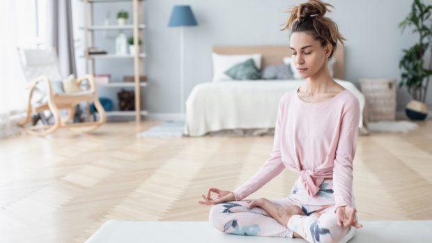 Yoga: tutti i benefici a livello cardiovascolare. Parla il cardiologo