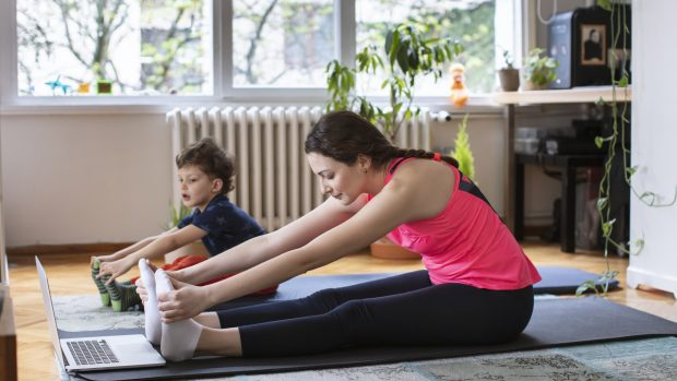 Workout per bambini in DAD: gli allenamenti consigliati dall'ortopedico pediatrico