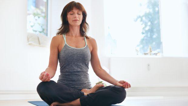 Yoga e pilates contro la pancia gonfia: così aiutano a combattere il gonfiore addominale