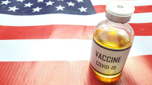 Vaccino Johnson&Johnson, dagli effetti collaterali alle varianti, risponde Pregliasco