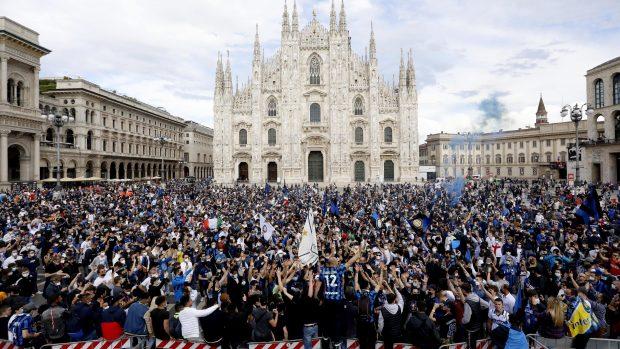 Festa scudetto e Covid confronto Napoli 202