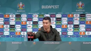 Cristiano Ronaldo Coca Cola bibite gassate fanno male