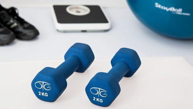 Allenamento per dimagrire cardio o pesi