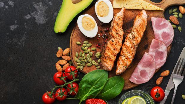 """La dieta chetogenica può """"affamare"""" il cancro? Lo studio"""